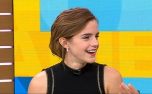Emma Watson nhờ người hâm mộ tìm giúp trang sức bị mất