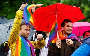 Người Đức ăn mừng Luật hôn nhân đồng giới được thông qua
