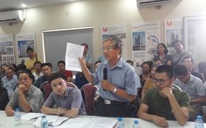 Đại diện cư dân KĐT Ngoại giao đoàn nêu ý kiến phản đối việc điều chỉnh quy hoạch