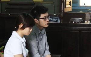 Gia Linh (trái) được cho là hỗ trợ Duy phi tang xác nạn nhân và khử mùi hôi ở phòng.