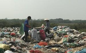 Bãi rác thải ngày phình to ở thôn Thái Hòa, xã Yên Hòa.