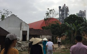 """Những năm qua từ khi nhà máy xi măng đi vào hoạt động cũng là những tháng ngày người dân tại đây chịu sự """"hành hạ"""" đủ đường."""