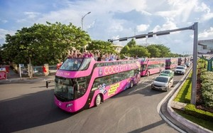Tại Cocobay, du khách sẽ được trải nghiệm mô hình xe buýt 2 tầng lần đầu tiên xuất hiện tại Đà Nẵng