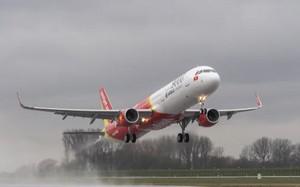 Huỷ nhiều chuyến bay do ảnh hưởng bão Kirogi