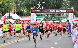 Hơn 5.000 vận động viên chuyên nghiệp và không chuyên tham gia giải Marathon quốc tế TP.HCM Techcombank 2017