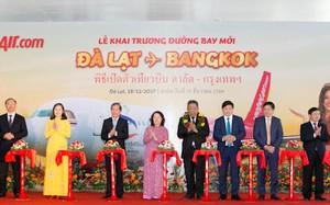 Vietjet tưng bừng khai trương đường bay Đà Lạt - Bangkok với vũ điệu Bikini hoa nóng bỏng
