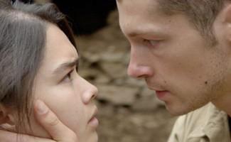 Chiến tranh khắc nghiệt vô tình đã đưa chàng lính Philippe và cô gái Việt Minh tên Thi đến với nhau.