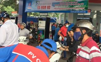 Một cây xăng của PV Oil tại TP HCM chính thức ngừng bán xăng A92 để chuyển sang xăng E5. Ảnh: Ngọc Ánh