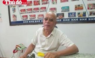 """Ông Phan Văn Phong - vị phụ huynh được mệnh danh là """"cứng"""" - xuất hiện"""