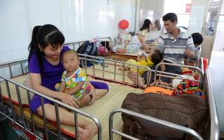 Bệnh nhi bệnh sốt xuất huyết đang điều trị tại Bệnh viện Nhi Đồng 1, TP.HCM
