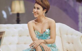 Uyên Linh không những được xem là cô gái quyết liệt và cá tính mà lại còn thông minh trong cách ứng xử.