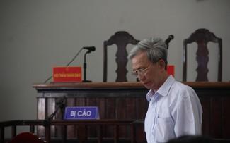 Bị cáo Nguyễn Khắc Thủy tại phiên tòa. Ảnh: Dân trí