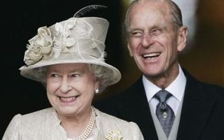 Nhìn lại cuộc hôn nhân 70 năm của Nữ hoàng Elizabeth II và hoàng tử Philip