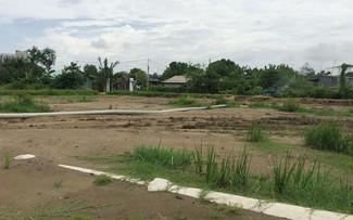 Một dự án bán đất nền bằng hợp đồng góp vốn đầu tư xây dựng nhà ở và hợp đồng hợp tác đầu tư đang nổ ra tranh chấp, nếu chủ đầu tư phá vỡ hợp đồng, mức bồi thường khiến người mua lỗ 30-60 cây vàng. Ảnh: Vũ Lê