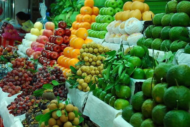 Hà Nội gắn biển nhận diện cửa hàng hoa quả sạch