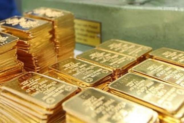 Giá vàng ngày 23/4: Đồng USD quay trở lại đẩy giá vàng xuống mức thấp trong 3 tuần qua