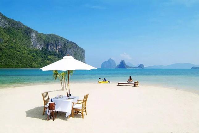 """Hòn đảo đẹp """"lịm tim"""" ngay gần Việt Nam"""