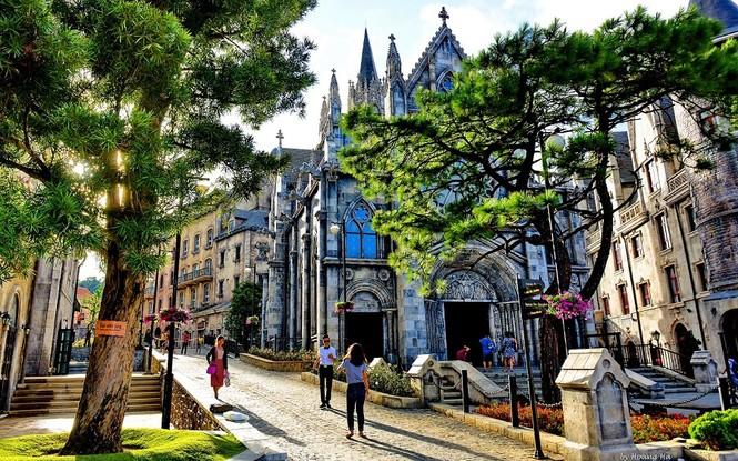 Khu du lịch Sun World Bà Nà Hills - nơi có những tòa lâu đài Pháp cổ kính