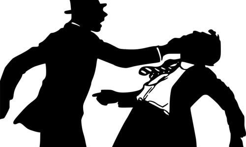 Chồng đánh ghen, lột quần áo bạn trai cũ của vợ