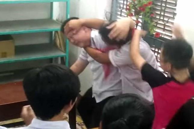 Vẫn loay hoay xử lý bạo lực học đường - ảnh 1