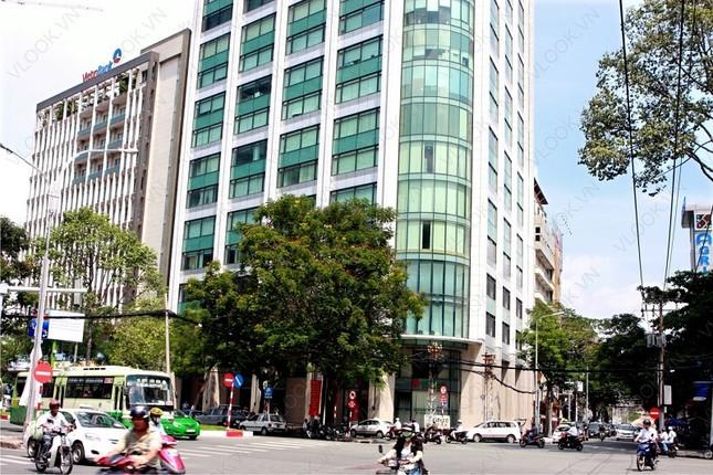 Ngắm những tòa nhà ở Việt Nam có sân đỗ trực thăng hiện đại - ảnh 9