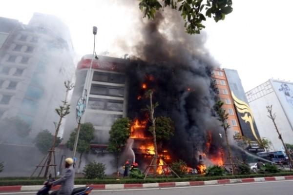 """7 đặc điểm khiến các quán karaoke ở Hà Nội dễ gặp """"bà hỏa"""" - ảnh 1"""