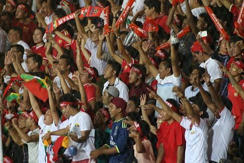 Hạ Myanmar 2-1, tuyển Việt Nam mang chiến thắng tặng thầy Hữu Thắng dịp 20/11  - ảnh 1