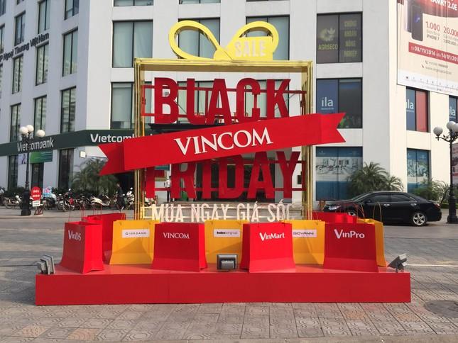 """Siêu khuyến mãi 50%++ tại các TTTM Vincom vào """"thứ Sáu đen"""" - Black Friday - ảnh 2"""