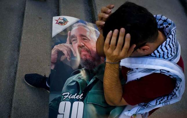 Người dân thế giới tiếc thương lãnh tụ cách mạng Fidel Castro - ảnh 2