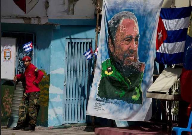 Người dân thế giới tiếc thương lãnh tụ cách mạng Fidel Castro - ảnh 7