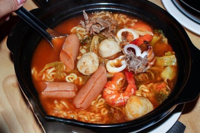Những món ăn vặt gây sốt ở Hà Nội năm 2016  - ảnh 2