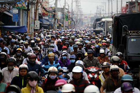Cận Tết, kẹt xe khủng khiếp hơn 7 km ở cửa ngõ Sài Gòn - ảnh 3