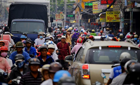 Cận Tết, kẹt xe khủng khiếp hơn 7 km ở cửa ngõ Sài Gòn - ảnh 6