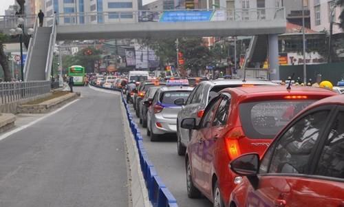 Xe buýt BRT vận hành thế nào khi có dải phân cách cứng? - ảnh 1