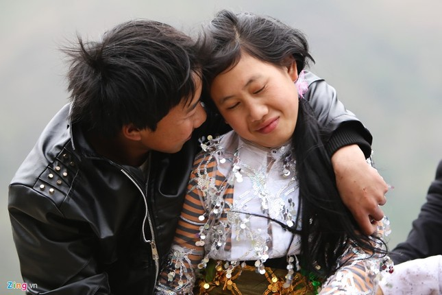 Cảnh bắt người về làm vợ giữa đường vắng ở Hà Giang - ảnh 2