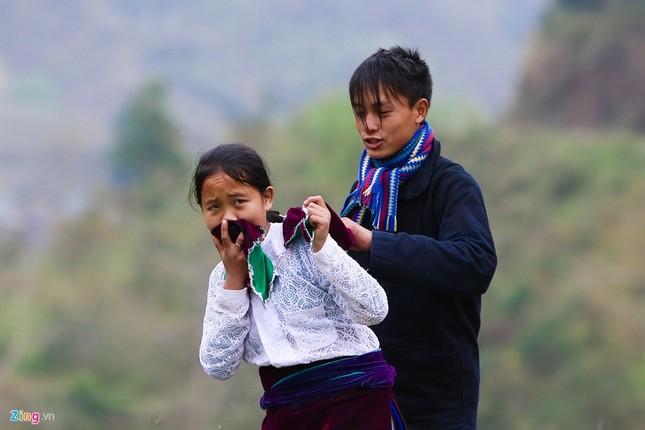 Cảnh bắt người về làm vợ giữa đường vắng ở Hà Giang - ảnh 4