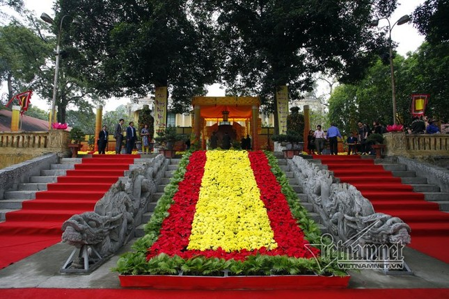 Chủ tịch nước Trần Đại Quang dâng hương ở Hoàng thành Thăng Long - ảnh 1