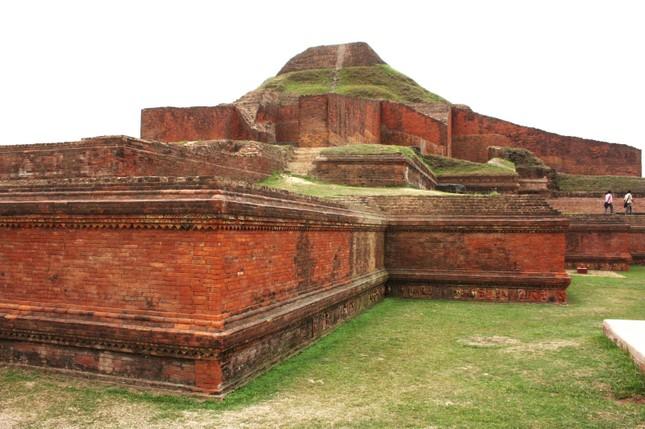 Bangladesh: Phế tích Phật giáo Somapura Mahavihara  - ảnh 3