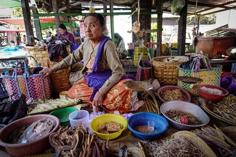 Đi chợ ở Myanmar - ảnh 1