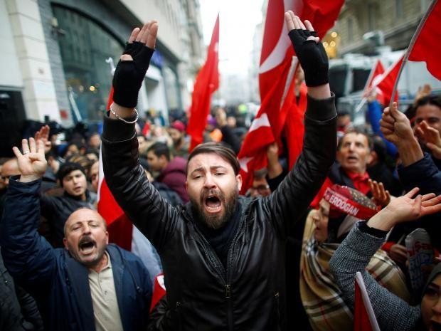 Hà Lan - Thổ Nhĩ Kỳ: Căng thẳng đối đầu - ảnh 1