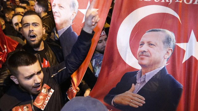 Hà Lan - Thổ Nhĩ Kỳ: Căng thẳng đối đầu - ảnh 2