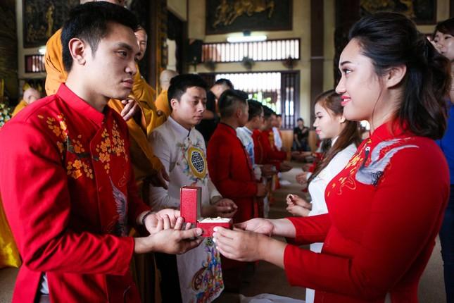 14 cặp đôi tại Hà Nội tổ chức lễ cưới tập thể nơi cửa Phật - ảnh 6