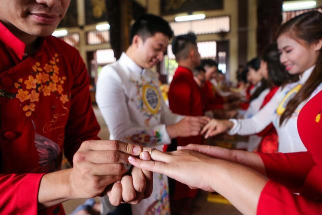 14 cặp đôi tại Hà Nội tổ chức lễ cưới tập thể nơi cửa Phật - ảnh 8