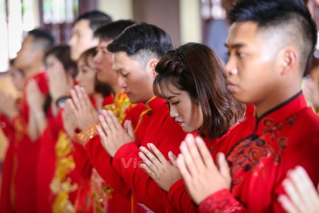 14 cặp đôi tại Hà Nội tổ chức lễ cưới tập thể nơi cửa Phật - ảnh 2