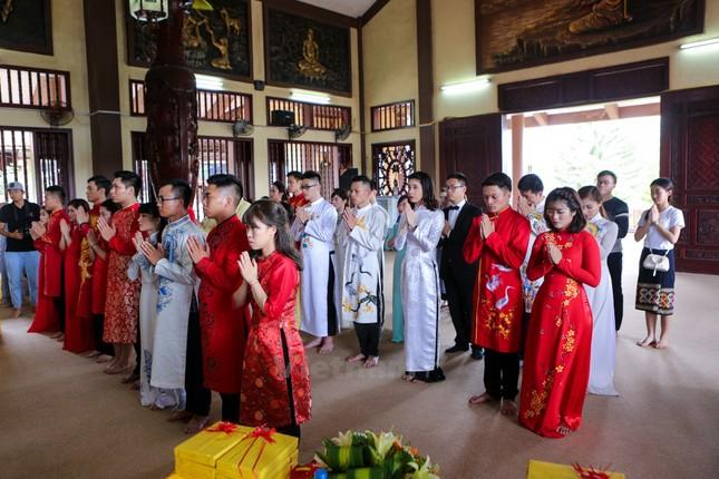14 cặp đôi tại Hà Nội tổ chức lễ cưới tập thể nơi cửa Phật - ảnh 5