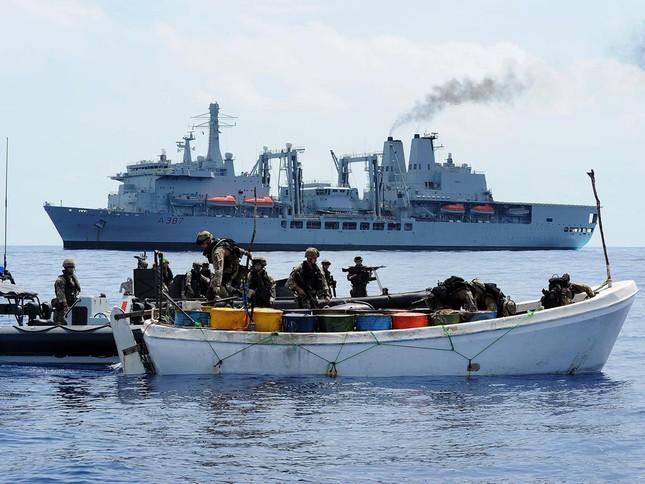 Mỹ vất vả đối phó với nạn cướp biển trỗi dậy ở Somalia - ảnh 1