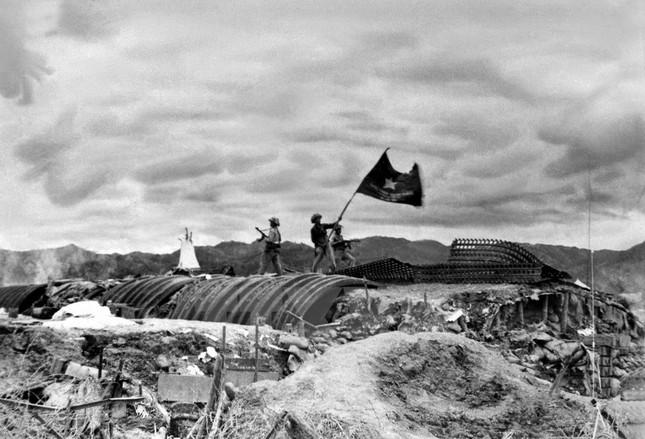 Nhìn lại Chiến thắng Điện Biên Phủ qua những bức ảnh  - ảnh 2