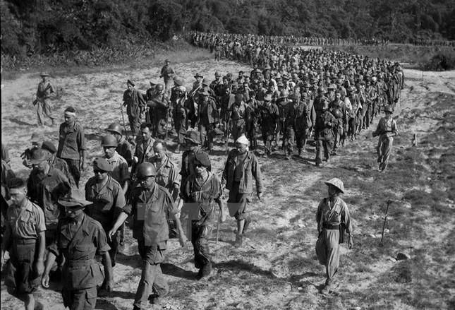 Nhìn lại Chiến thắng Điện Biên Phủ qua những bức ảnh  - ảnh 4