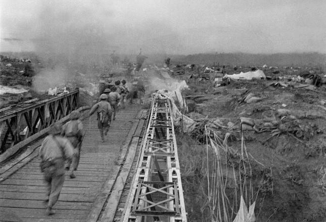 Nhìn lại Chiến thắng Điện Biên Phủ qua những bức ảnh  - ảnh 5