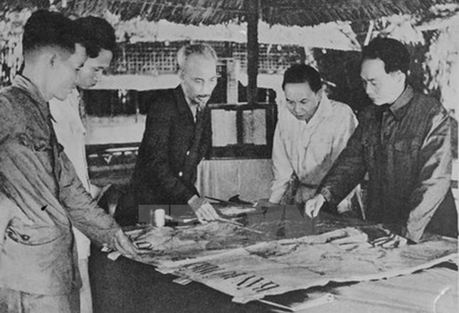 Nhìn lại Chiến thắng Điện Biên Phủ qua những bức ảnh  - ảnh 8